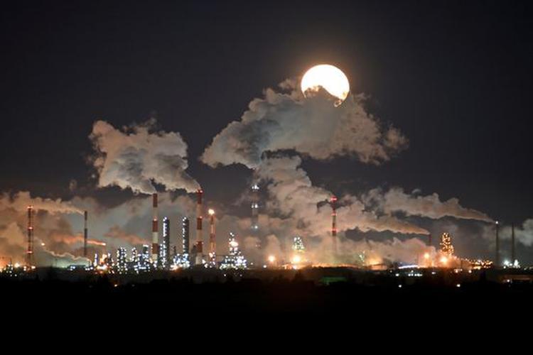 原油價格漲逾 20%,市場憧憬價格戰結束